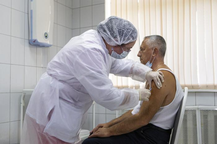 'Are People to Be Left to Die?' Vaccine Pleas Fill UN Summit